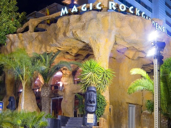 Entrada Principal Hotel Magic Rock Gardens Benidorm